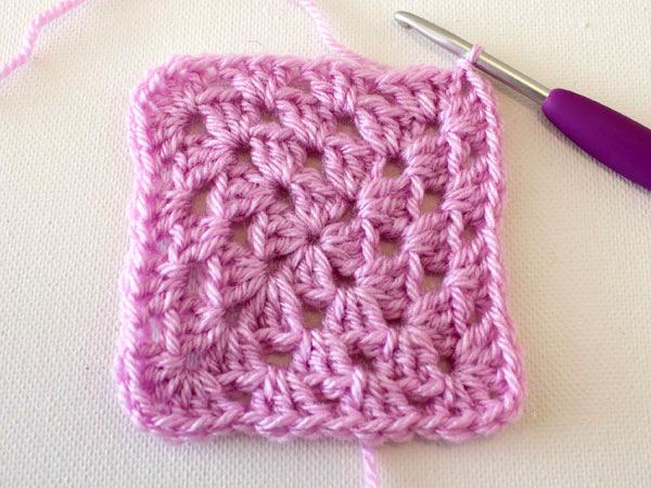 Principios básicos del crochet: como hacer un Granny Square ...