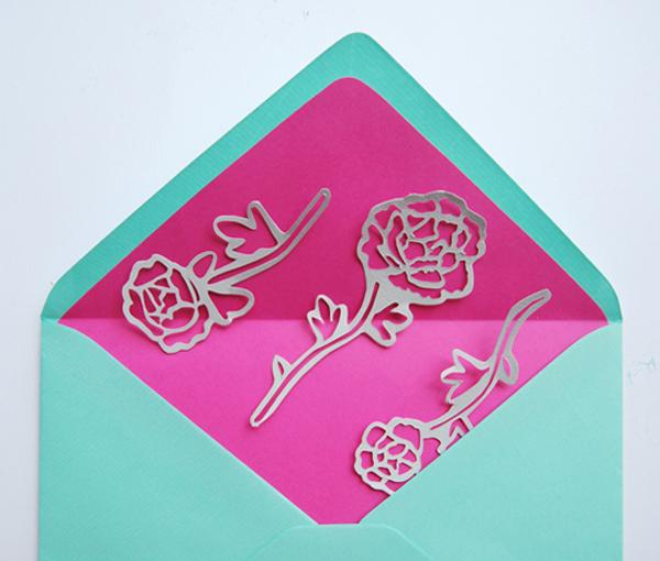 paper-cut-invite-place-flowers