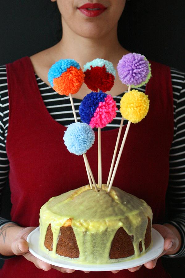 Pompom cake toppers tutorial