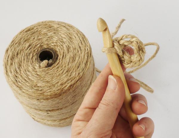 crochet-jute-wallhanging-04round1