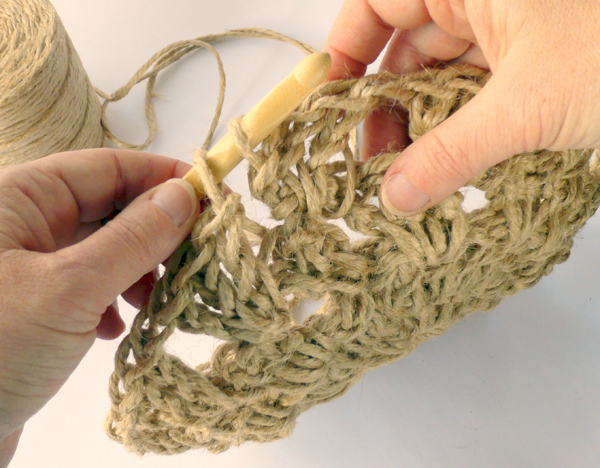 crochet-jute-wallhanging-17round5
