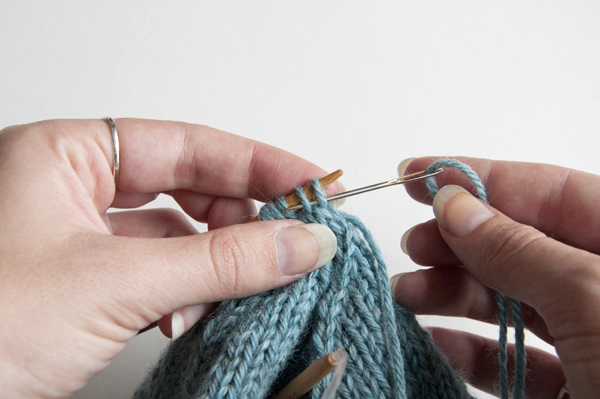 knitting_cableberet_gather