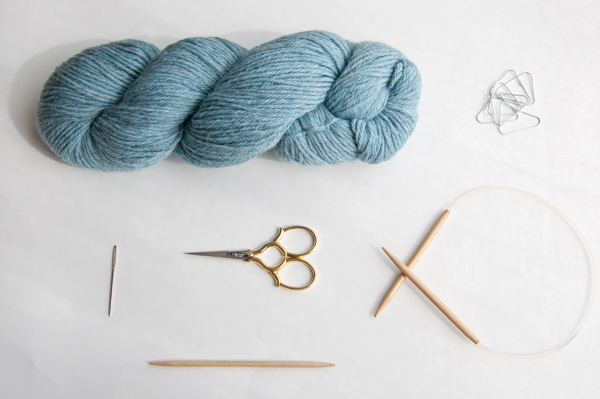 knitting_cableberet_supplies