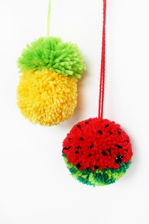 How to make tutti frutti pom poms for Crafts to make with pom poms