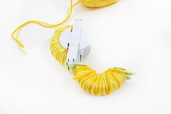 Tutti Frutti pineapple pom pom Step 5 by Kitiya Palaskas on Crafttuts+