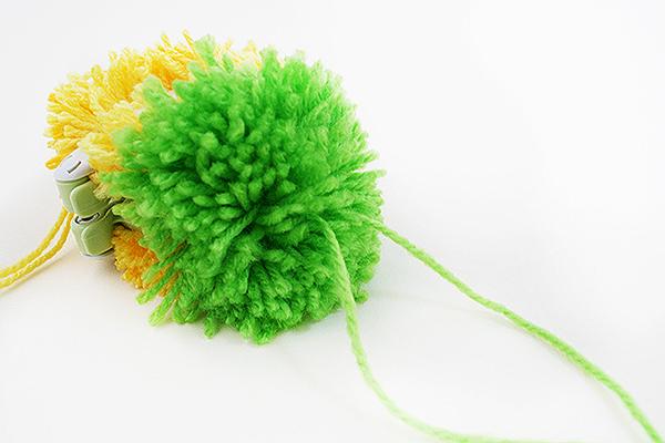 Tutti Frutti pineapple pom pom Step 7 by Kitiya Palaskas on Crafttuts+