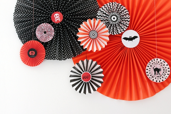 How To Make Paper Wheel Decorations For Halloween