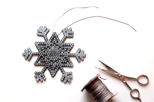 11-snowflakes-cut ribbon
