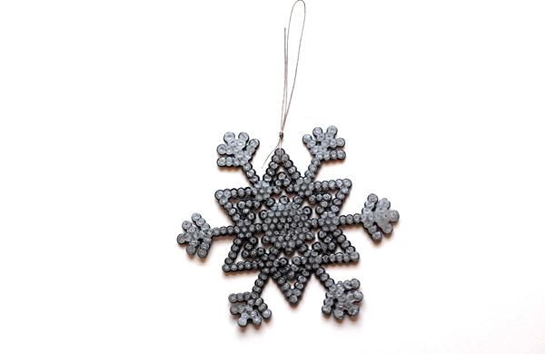 12-snowflakes-make knot