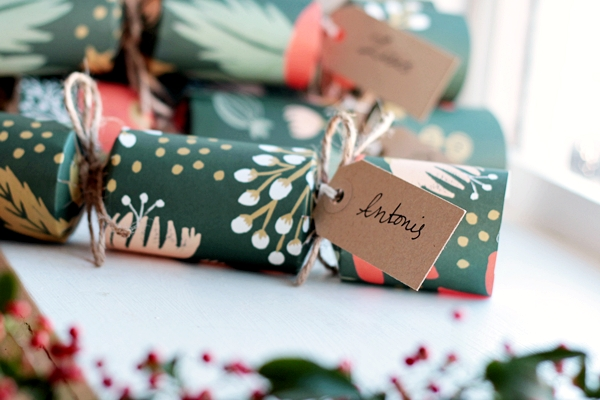 Terrific How To Make Your Own Gorgeous Christmas Crackers Easy Diy Christmas Decorations Tissureus
