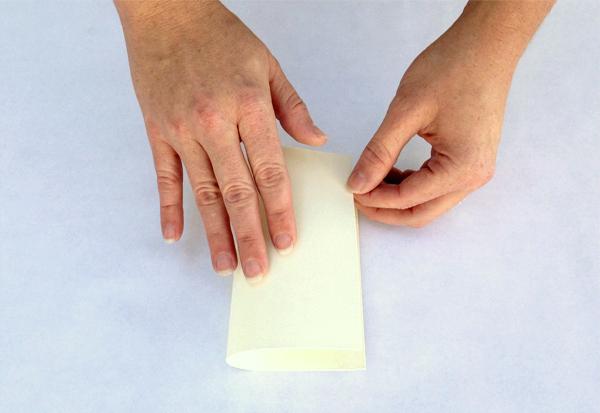 Determining paper grain direction