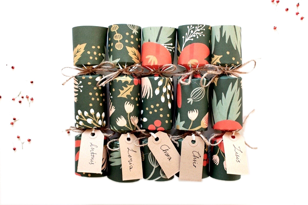 Astounding How To Make Your Own Gorgeous Christmas Crackers Easy Diy Christmas Decorations Tissureus