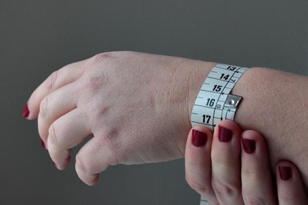 1-zodiac cuff-measure