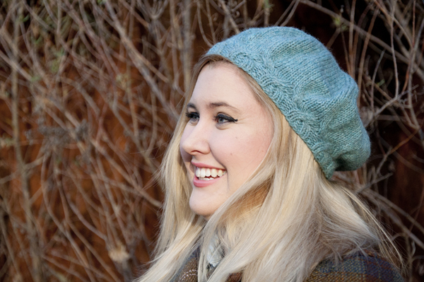 knitting_cableberet_blonde