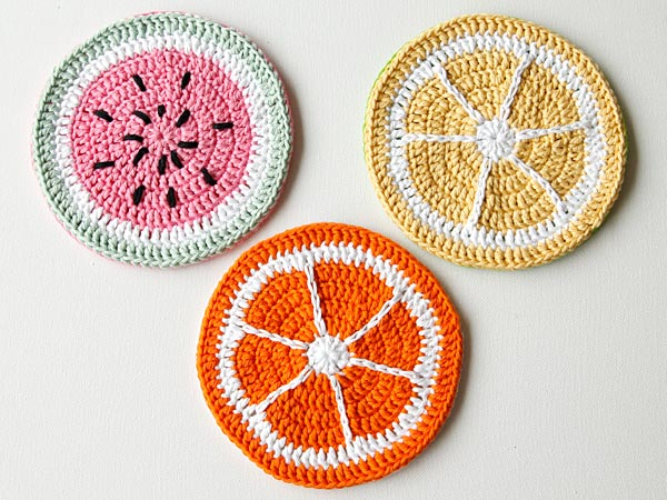 wink-crochet-fruity-pot-holders-finished-1