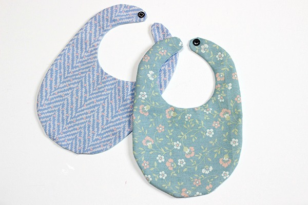 How to Sew an Easy Baby Bib