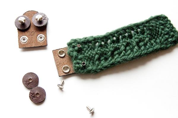 knitting_bracelet_insertpins