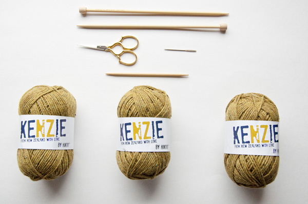 knitting_scarf_supplies