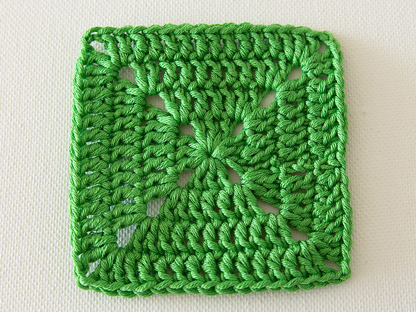 Crochet Patterns For Lap Blanket : How to Crochet a Lap Rug in Kaleidosopic Colour
