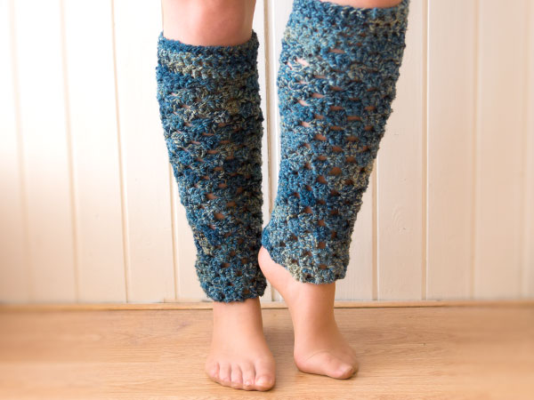 wink-crochet-pair-legwarmers-finished2