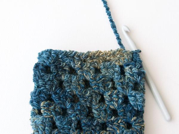 wink-crochet-pair-legwarmers-step6