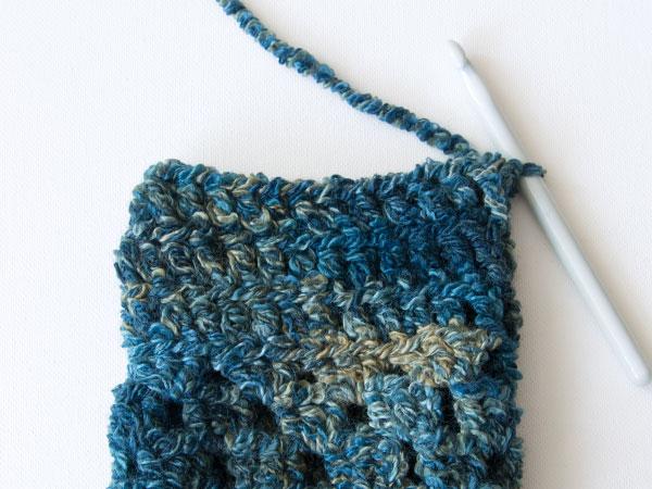 wink-crochet-pair-legwarmers-step7