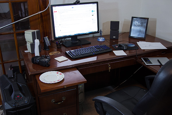 Desk under full mixed illumination, where the precise colour of the light matters less than high visibility.