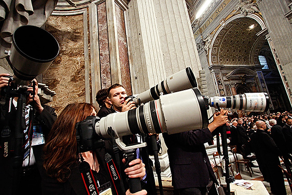 photographing the pope