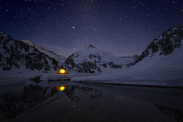 Night Photography: Into The Dark: 100 Beautiful Examples Of Night Photography