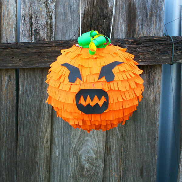 How to make a spooky pumpkin pi ata for halloween tuts for Halloween decorations u can make